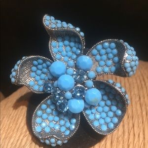 Fashion Blue Bead and Crystal Stretch Ring.